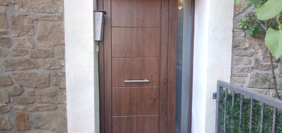 Porta PVC imitació fusta