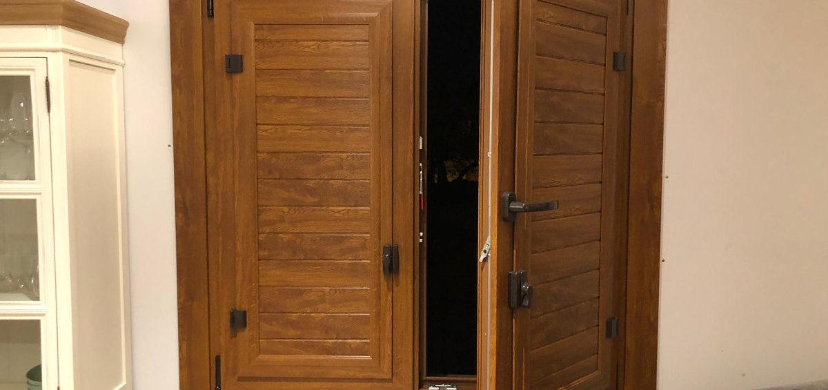 Porticó interior imitació fusta