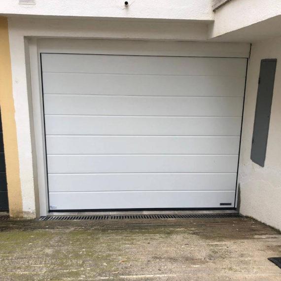 Porta garatge blanca